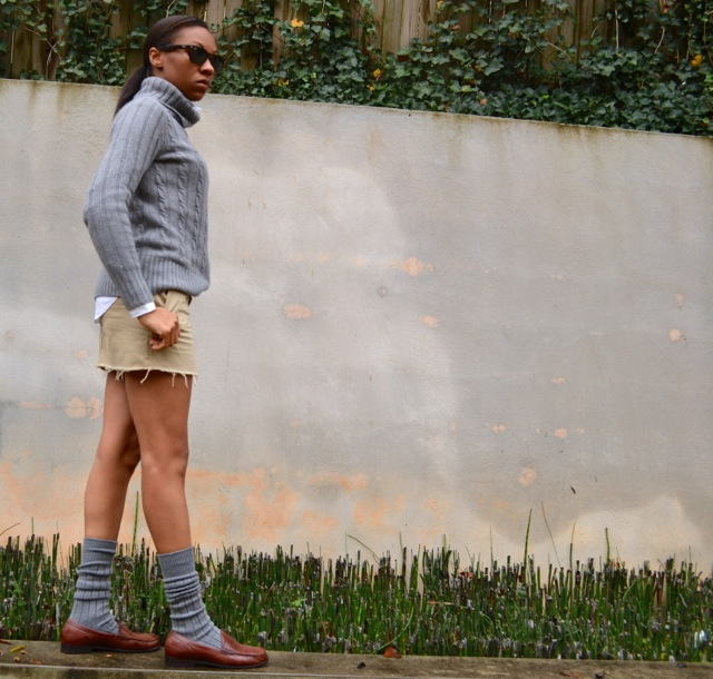 2 Ways to Wear Mini Skirts in Cooler Weather 2