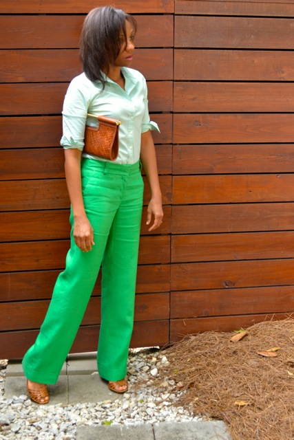 2 Ways to Wear Green Linen Pants
