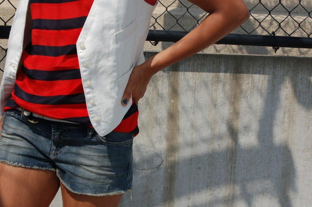 2 Ways to Wear Red, White, and Blue 5