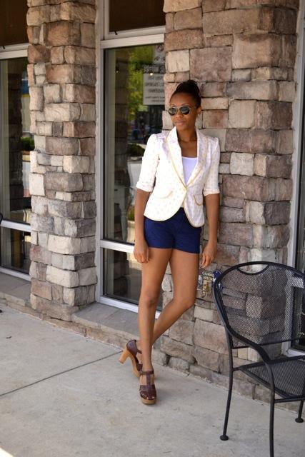 Ladybug Print Blazer + Lace Shorts 2