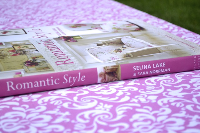 Interior Decor Book: Romantic Style