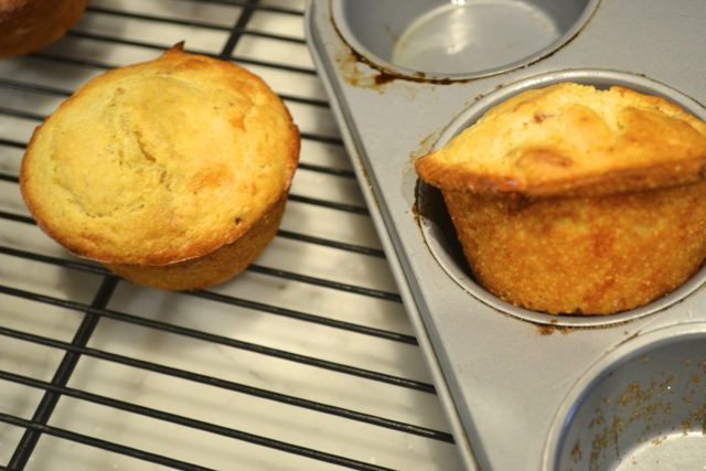 Recipe: Bacon & Cheese Cornbread Muffins 4