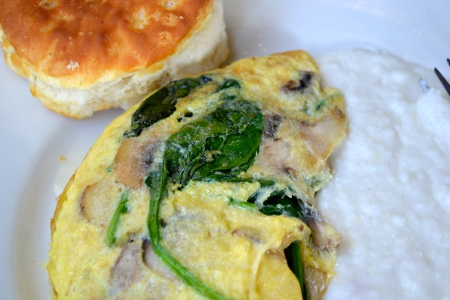 Spinach, Mushroom, and Goat Cheese Omelette + Roasted Garlic Grits + Biscuit