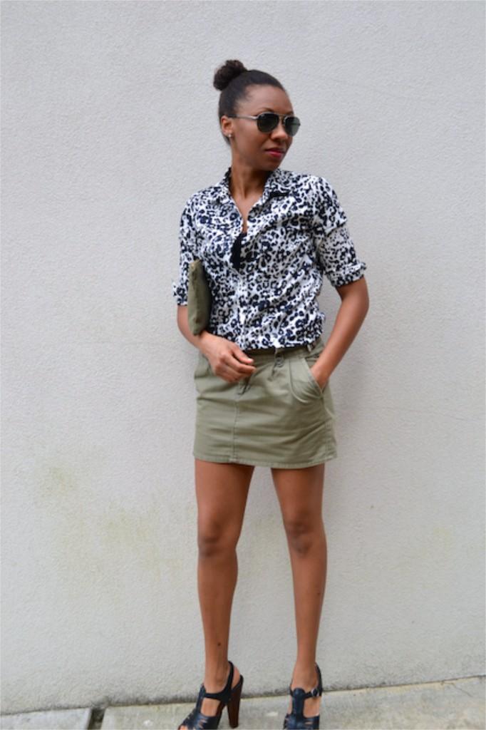 Snow Cat Print Shirt + Olive Mini Skirt + Anchor Clutch 3