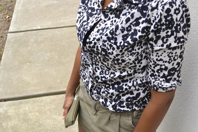 Snow Cat Print Shirt + Olive Mini Skirt + Anchor Clutch 4