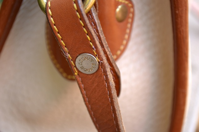 Vintage Dooney & Bourke Crossbody Bag 4